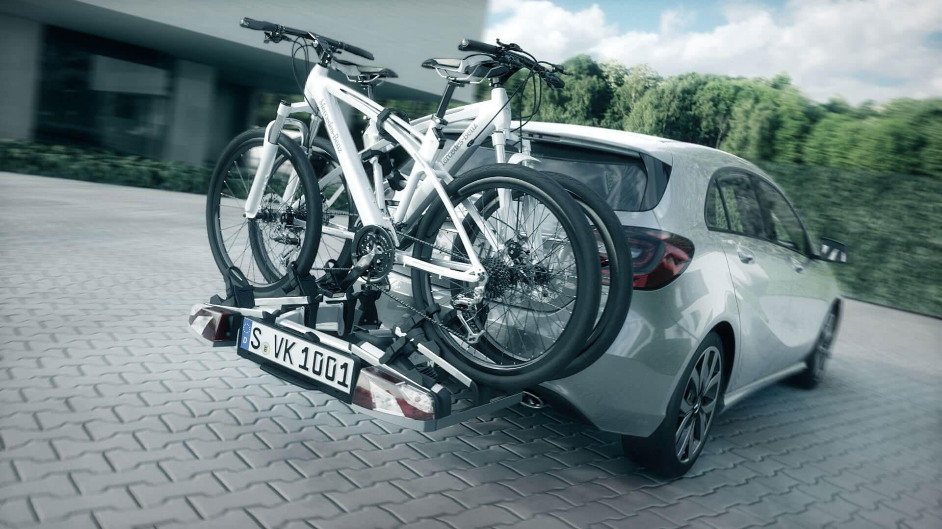 in dem 3D Animationstrailer von Mercedes Benz wird Zubehör, wie der Fahrrad-Ständer, präsentiert.
