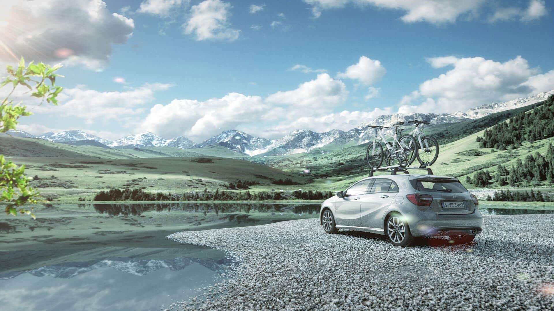 Der Trailer von Mercedes Benz stellt das Zubehör der A-Klasse mit einer neuen Bewegtbild-Dynamik dar.