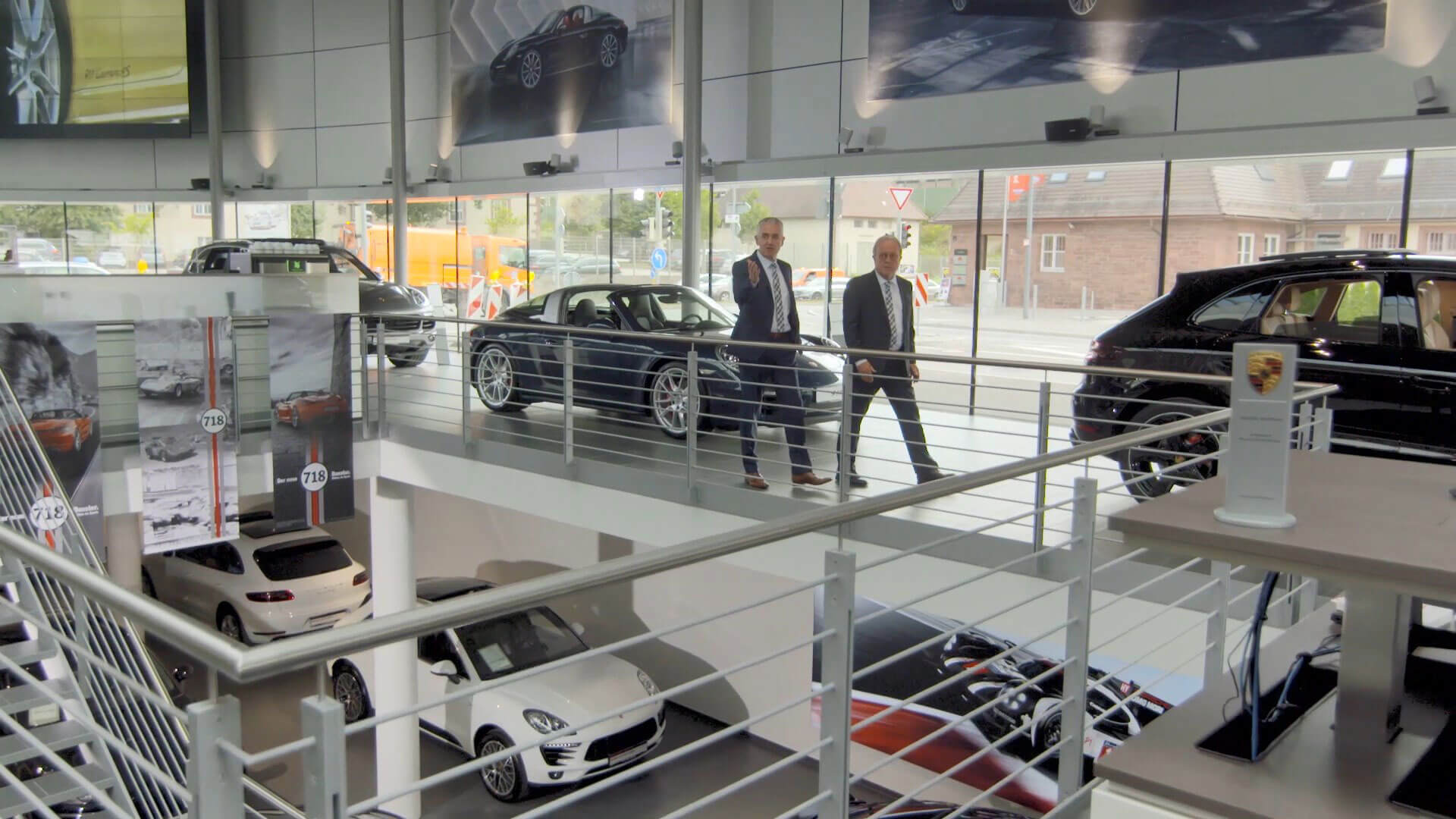 Der Imagefilm der Hahn Gruppe wurde anlässlich der Einweihung des fünften Hahn Porsche Zentrums in Böblingen erstellt.